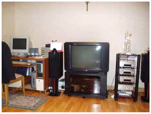 Photo of apartment in Seoul where family locates the computer is in the living room to facilitate parental supervision
