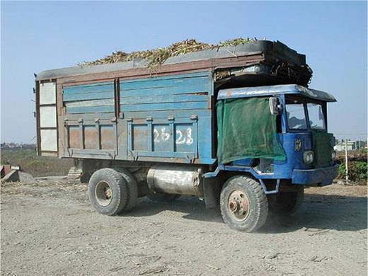 The reassembled car for shipping sugarcane at the middle–south Taiwan. Photo by the author at Douliu, Yunlin County