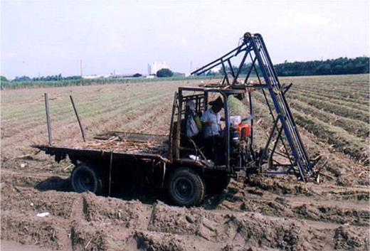 The reassembled car for harvesting sugarcane. Photo by the author at Douliu, Yunlin County