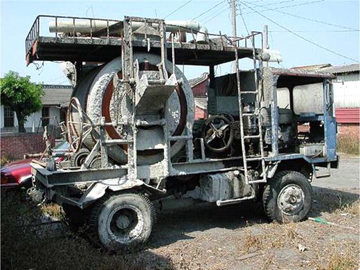 The reassembled car for cement mixing. Photo by the author at Shilo, Yunlin County