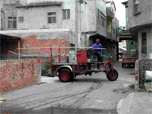 This reassembled car for carrying oysters was made in 1970. Photo by the author at Wangon, Fanyuan, Chanhwa County